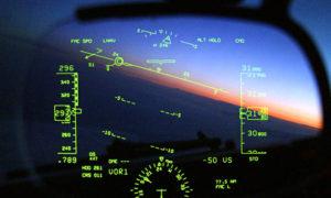 système HUD dans un cockpit d'avion