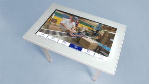 visite virtuelle d'usine sur table tactile